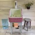 ワイン色とお花のポイントシンク(LS)1716 - ガーデンシンク タイル流しタイル 屋外 庭 かわいい オシャレ シンプル -