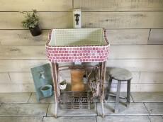 海外輸出タイル使用!アンティークピンクと葉っぱの縁取りシンク(SS)1790 – ガーデンシンク タイル 流し台 DIY 庭 洗い場 美濃焼タイル レトロ 手洗い -