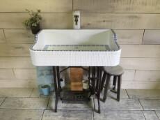 金魚シリーズ 八分半丁白とアクアブルーのレトロシンク(L) 1850 – ガーデンシンク シンク タイル 流し台 DIY 庭 洗い場 オシャレ 屋外 -