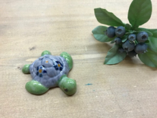 【 沖縄ハンドメイド 】カメの焼き物(グリーンパープル)
