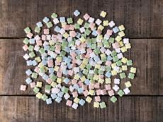 【数量限定】花子のトクハク純シリーズ 10ミリのプチフラワータイル5色入り各40gで200g入り [品番:craft-pflo-jun]